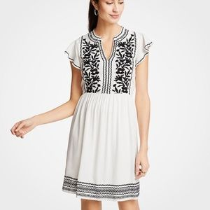 Ann Taylor EMBROIDERED RUFFLE SLEEVE SHIFT DRESS